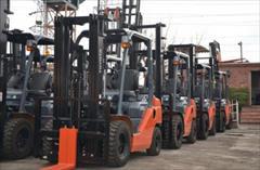 industry industrial-machinery industrial-machinery فروش و خدمات پس از فروش لیفتراک های تویوتا، کوماتس