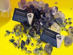 industry mine mine blue saltیا نمک آبی محصولی پر روی