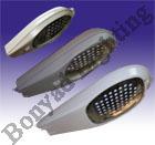 چراغ خیابانی LED<br/> صرفه جوئی در مصرف برق <br/> بهره نوری خوب تا حدود 120 لومن بر وات در برخی انواع <br/> طول عمر بسیار بالا تا بیش از 50000 ساعت در برخی انواع  services industrial-services industrial-services