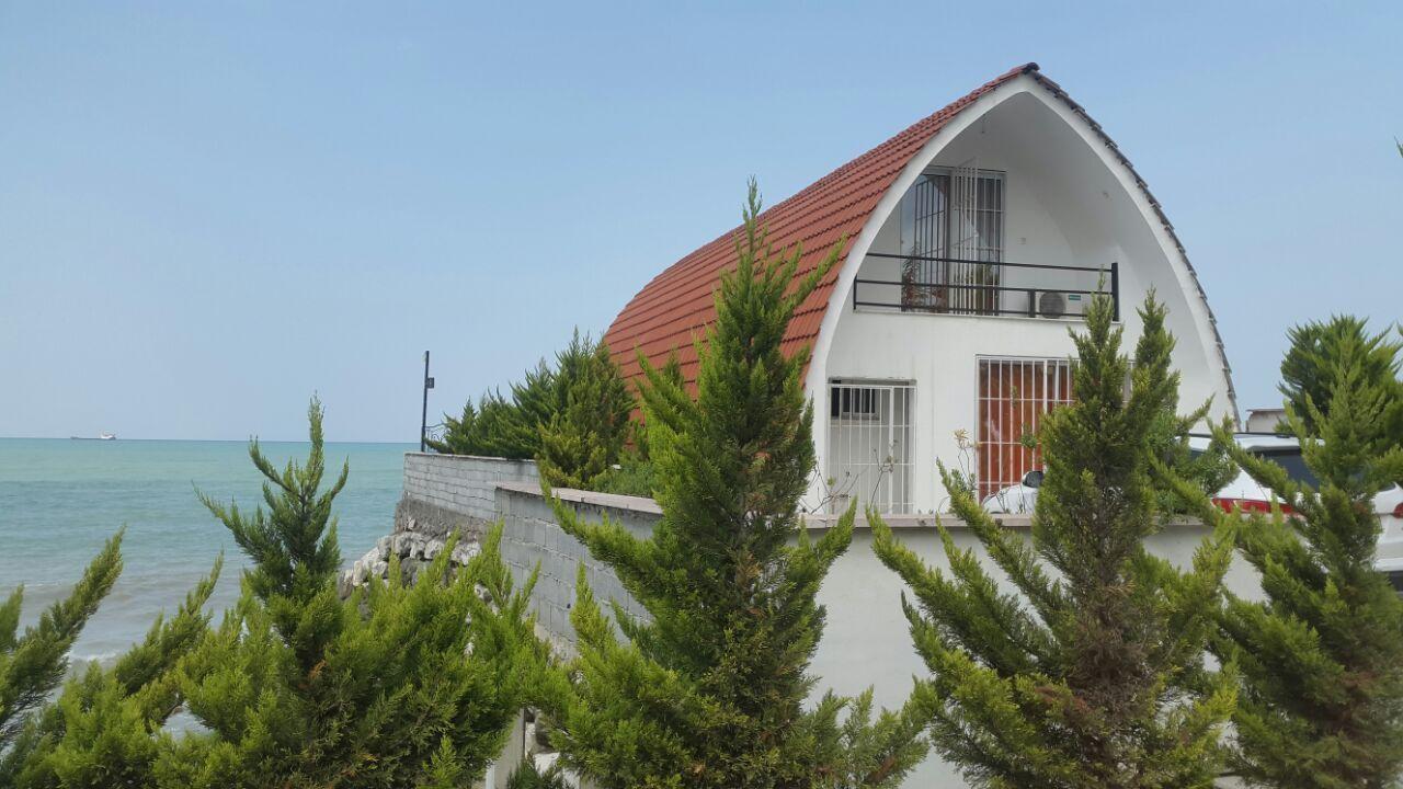 نزدیک بودن به ساحل دریا، تا حد زیادی در بهتر فروخته شدن ویلا ساحلی تاثیرگذار است. رطوبت در استان های شمالی بسیار بالاست و این امر در تابستان و علی الخ real-estate real-estate-services real-estate-services