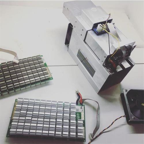 تعمیر برد انواع دستگاههای ماینر شامل عیب یابی پردازنده ها و جی پی یو ها<br/>تعمیر مین برد دستگاه و اشکالات متداول مربوط به هنگ و داغ کردن بیش از حد<br/>تعمیر digital-appliances pc-laptop-accessories connector
