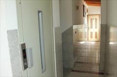 اجاره ویژه متل آپارتمانهای 4 طبقه دارای واحدهای دو خوابه  با قیمتی بسیار مناسب در کنار دریا.<br/>شرایط متلها: بسیار خلوت در هر طبقه فقط 3 تا 4 واحد وجود د tour-travel daily-rental-villa daily-rental-villa