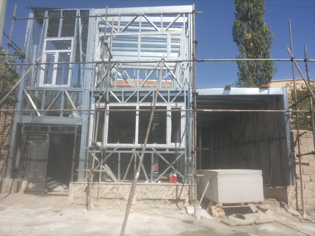 <br/>هزینه ی تمام شده ی سازه ال اس اف/السف /LSF<br/>این برآورد به صورت تقریبی وهزینه ها مربوط به مهر ماه سال 99  میباشد <br/>به طور میانگین در یک ساختمان دو طبقه  services construction construction