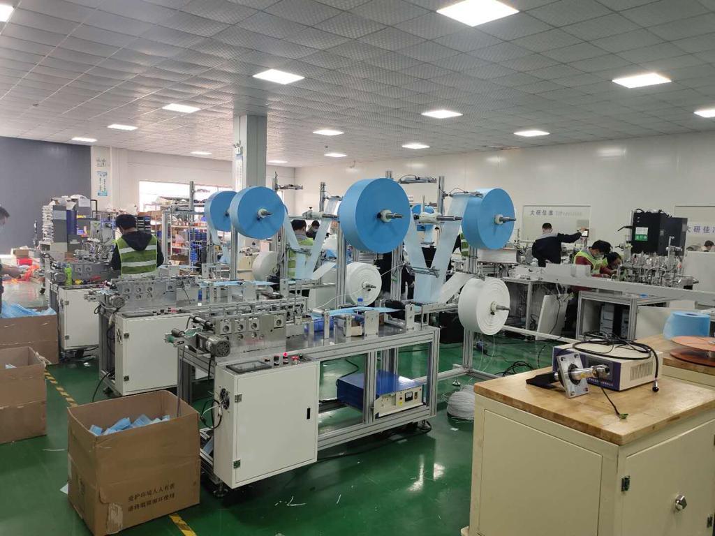 دستگاه و ماشین آلات تولید انواع ماسک سه لایه پزشکی، ماسک محافظتی و ماسک N95، و ماسک KN95 ساخت چین بهصورت اتوماتیک و نیمه اتوماتیک آماده حمل هوایی یا  industry industrial-machinery industrial-machinery