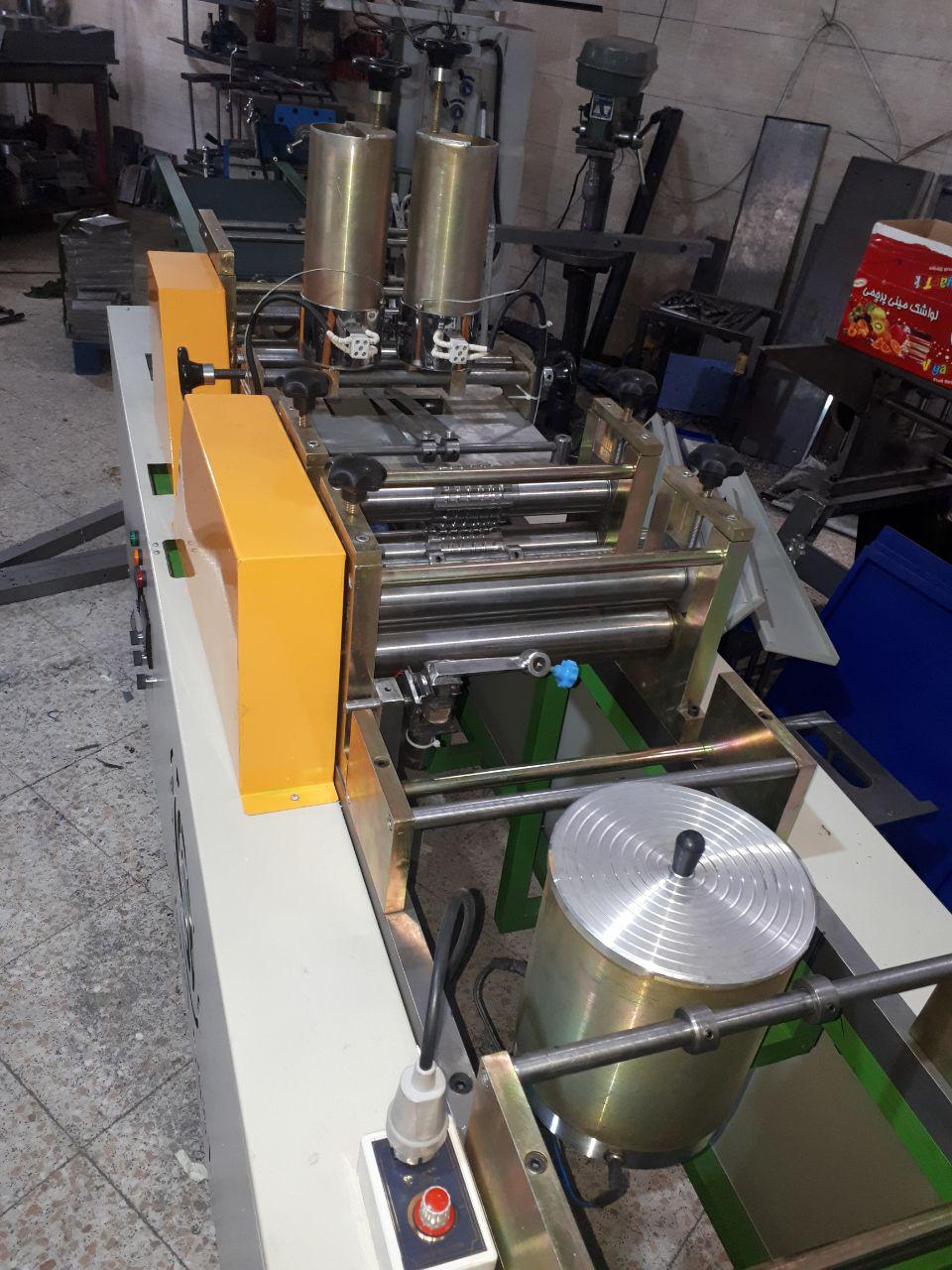 ساخت خط تولید اتوماتیک تزریق فوم و دستگاه کاغذ چینکن اتوماتیک مخصوص تولید فیلتر هوا<br/>دستگاههای ساخته شده به دو مدل تیغه ای و غلطکی<br/>تمامی ماشین آلات سا industry industrial-machinery industrial-machinery