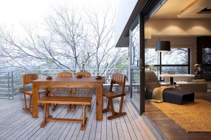 گروه تولیدی ،صنعتي عاج با تولید انواع صندلی های چوبی، چرمي، فلزی ، حصیری در مدلهای کم جا ، ساده ، مدرن ، نیمکتی ، پارچه ای و...و انواع میزهای ناهارخور buy-sell home-kitchen table-chairs